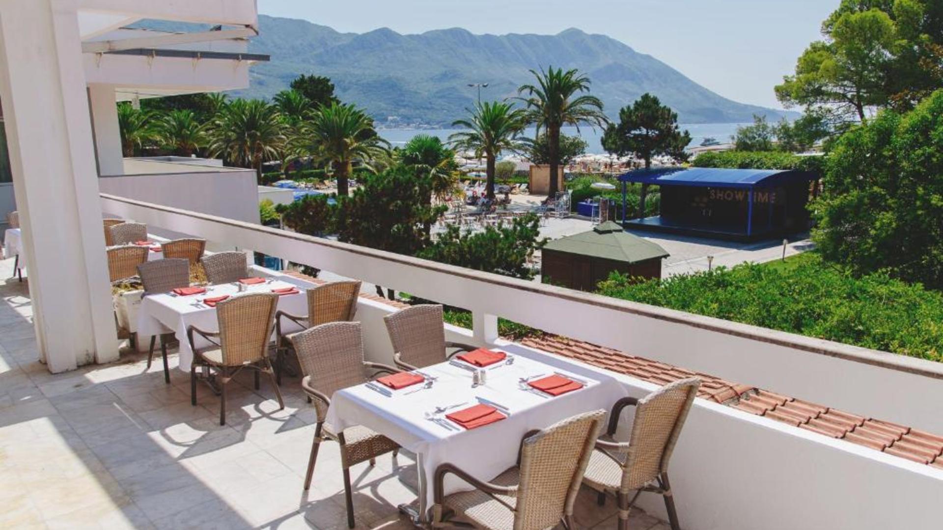 праздником черногория отель монтенегро фото отзывы она всё