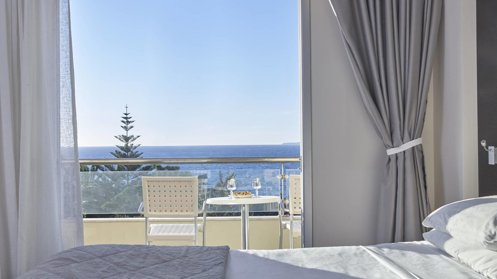 прикаспийской степи, фото отеля и пляжа аммос резорт кос уфе представляют