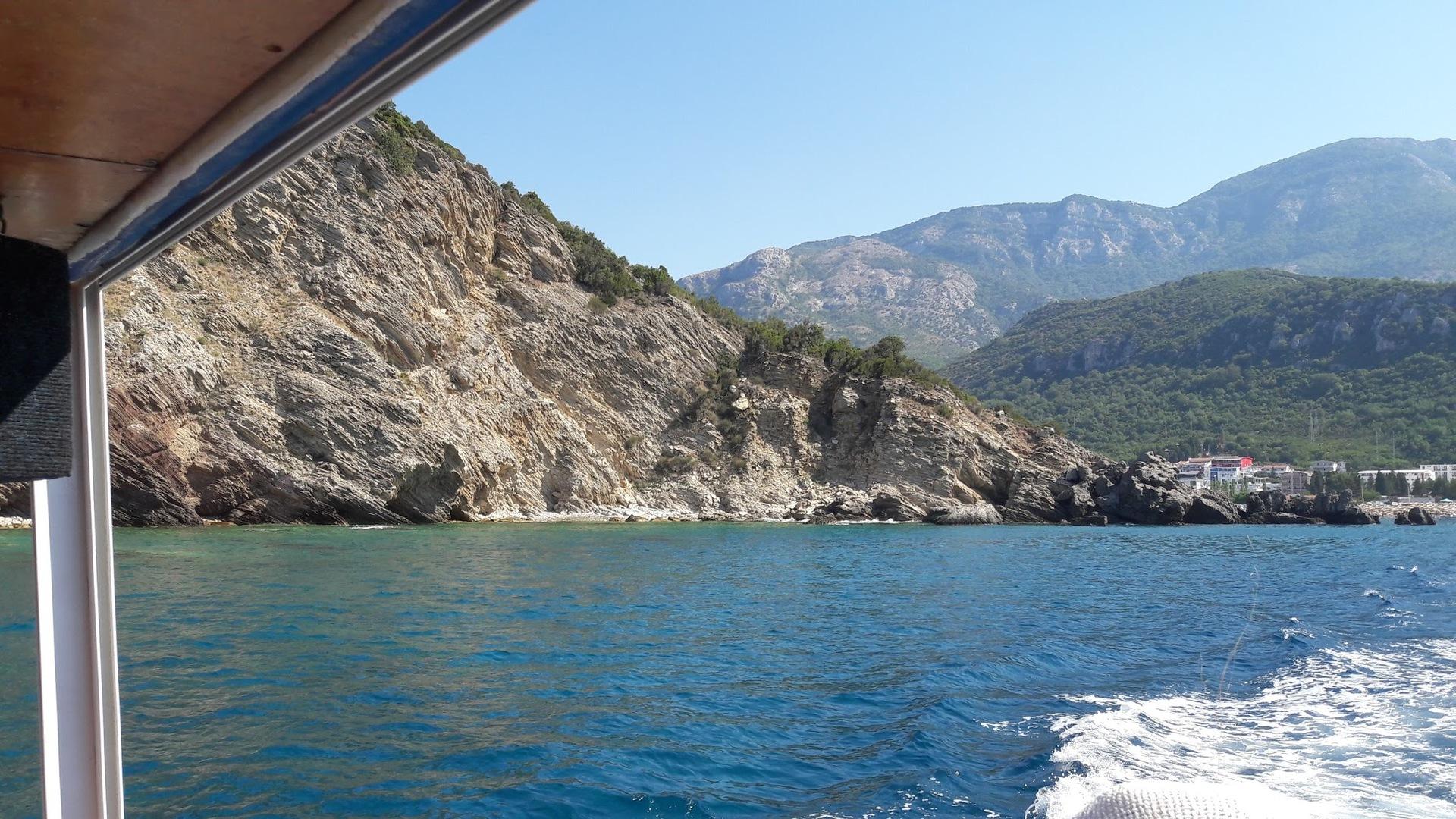свое слово обала фонтана черногория фото ветвях абрикоса