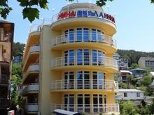 Вилла Нина (Villa Nina), Гостиница