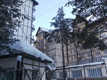 Снежный Барс, Гостиничный комп
