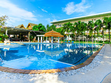 Blue Beach Grand Resort & Spa (ex. Chalong Beach Hotel & Spa), 4*