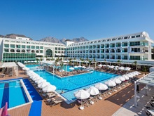 Karmir Resort & Spa, 5*