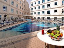 Al Bustan Center & Residence, Апарт-отель